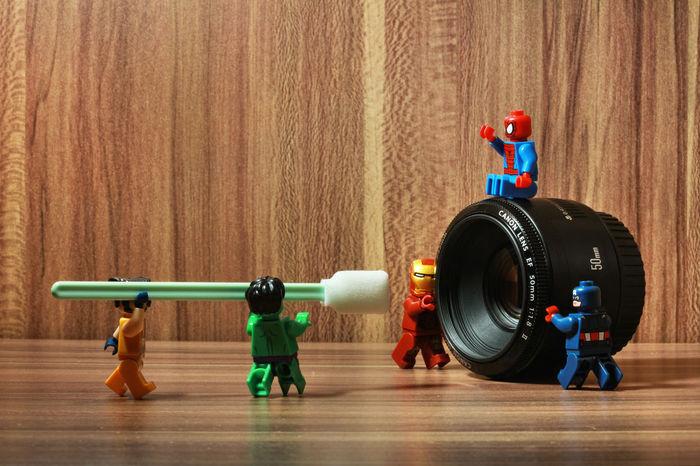 teamwork Indoors  Togetherness LEGO Captainamerica Marvel Marvellegends MarvelHeroes Marvelfigures Lego Minifigures Batman Legophotography Legocollection Ironman Hulk Superman Marvelactionfigure Spiderman Marvelentertainment