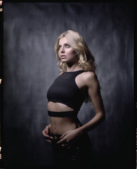 Model Nora Asani's portrait | mamiya rz67, kodak portra160nc