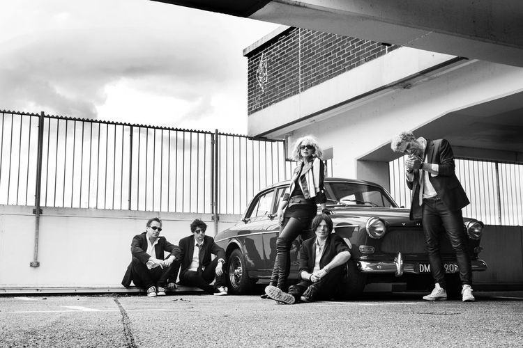 Chilling Friends Parking Garage Parking Lot PowerGirl Amazon Architecture Black And White Blond Friendship Group Of People Old Times Oldtimer Outdoors Outside Standing
