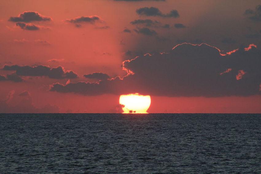 Beauty In Nature Horizon Horizon Over Water Nature Oil Drilling Sea Sun Sunset Water