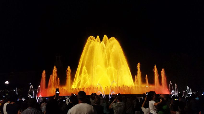 Barcelona Lightshow Beautiful Day Happiness A Lot Of Water Taking Photos Enyoing Life Hello World Wow! Have A Lot Of Fun