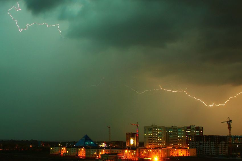 Lightning Sky Russia Lights City Evening Volzhsky From The Rooftop
