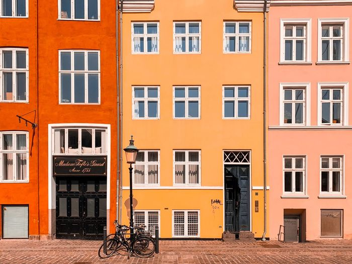 🇩🇰 Architectural Detail The Week on EyeEm Editor's Picks Architectural Design Architecture_collection Colorful Window Colors Color City Copenhagen Architecturelovers The Week on EyeEm Wall Arch Architecture Window Building Exterior Architecture Built Structure Building Residential District Orange Color Outdoors City House Glass - Material Wall - Building Feature Door Bicycle Transportation