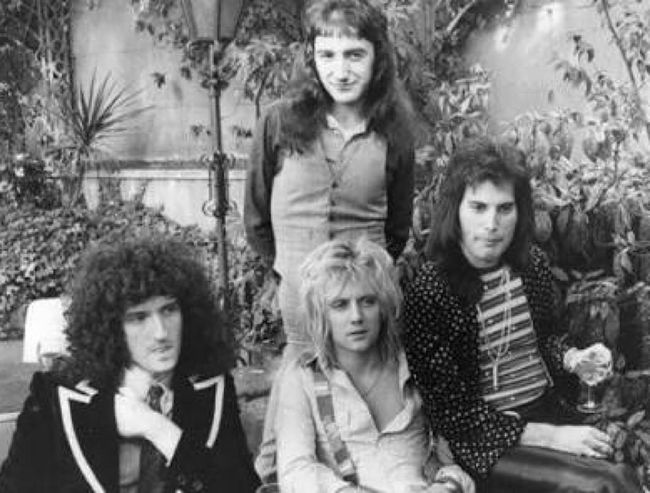 Legends Freddiemercury Queen ClassicRock Queen👑 Band November 24november