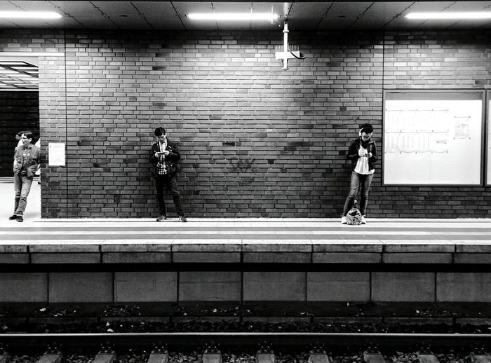 Day 325 - Smartphone life Berlin Blackandwhite Streetphotography Monochrome Photography Streetphoto_bw Public Transportation Sbahn 365florianmski 365project Day325