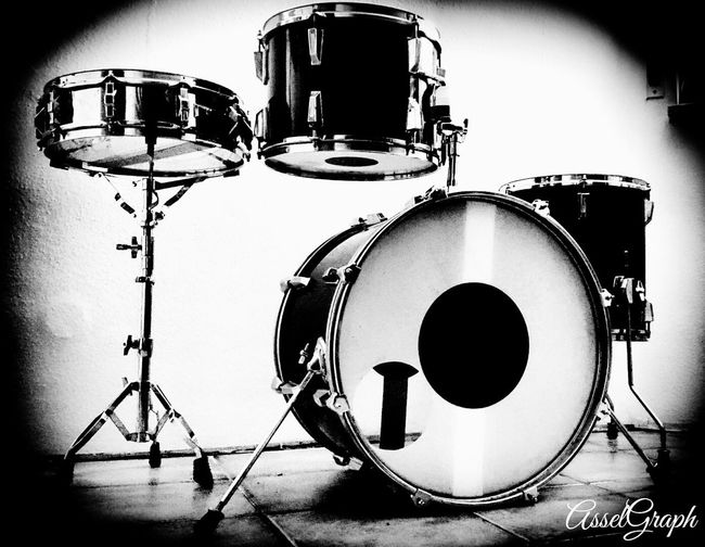Pictureoftheday Black&white Black & White Blackandwhite Photography Noiretblancphotographie Blackandwhitephoto Drums No People Drum - Percussion Instrument Drumstagram Drumset Drumsforever Drums!