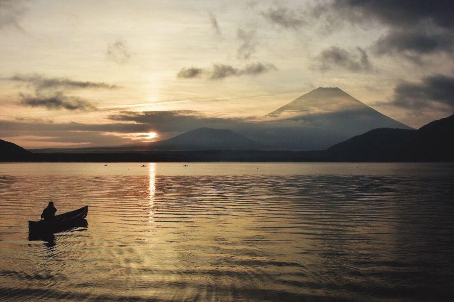 漕ぎ出す Lake Motosuko EyeEm Best Shorts - Fujiyama Fujisan Canoe Landscape_photography Morning Light