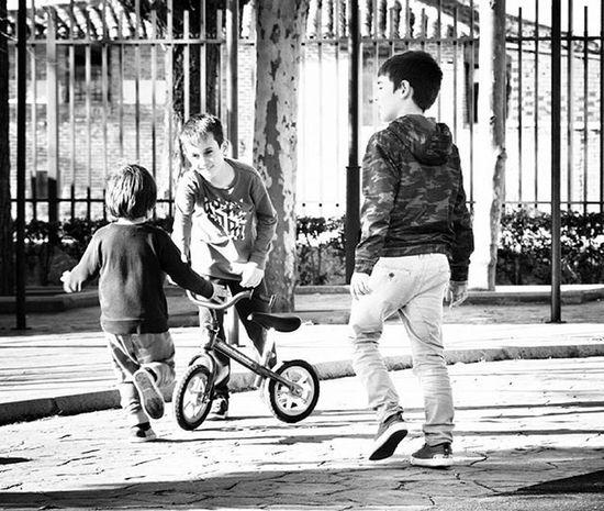 Nikon Bw_people Bwphotography Amateurs_bnw Blancoynegro Show_us_bw Blackandwhite Photooftheday Fotonline_es Monochrome Monochromatic Bnw Bwphoto Nikonphotography Bnw_madrid Bw_people Nikonistas Nikon D5200
