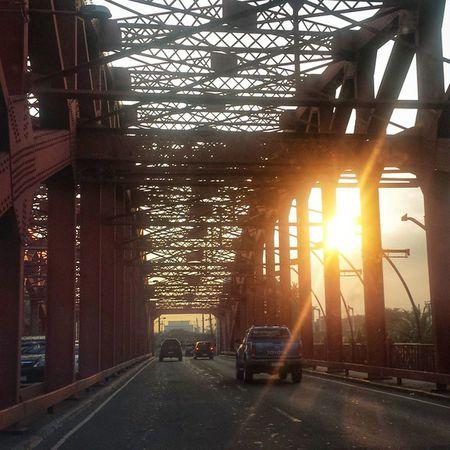 Quezon Bridge Sunset Onmywayhome Manila