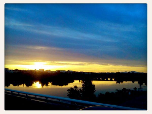 Disfrutando del amanecer sin haber trasnochado...