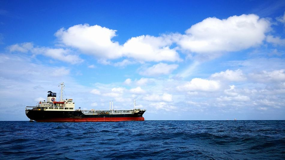 Colorfull Sky Big Boat Shipping Boat Boat In The Sea The OO Mission