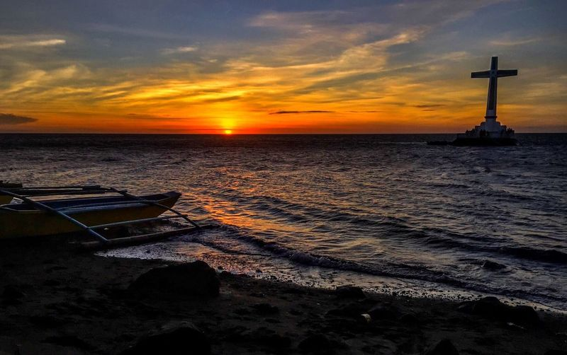 Sunken Cemetery Check This Out EyeEm Darkness And Light EyeEm Gallery Clouds And Sky Sea Sunset Cross Sunken Cemetery Sunken Buried At Sea Buried at sea of camiguin island Island Philippines Tourist Attraction  Tourist Destination Tourist_spot