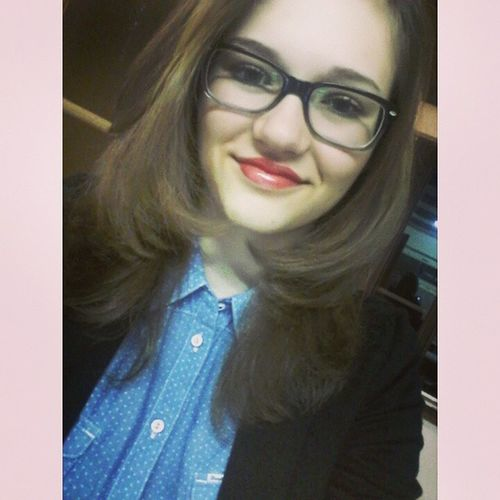 Czechgirl Instamood Everyday Short Straight Hair Red Lips Professor Glasses tak rovný vlasy už asi radši nee😂😆