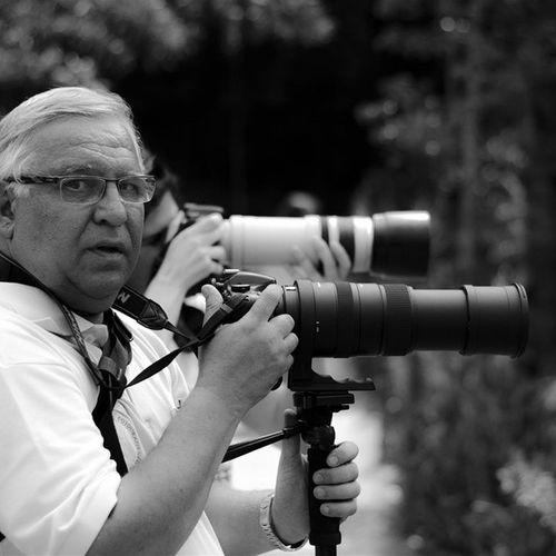Sr. Flávio - Fugindo do óbvio: ir ao Zoo equipado de uma lente fixa 50mm e fotografar em Branco_e_preto (P &b). Gostei do resultado. Usei a Nikon D5100