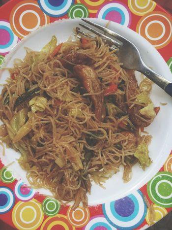 Stir-fried Noodles Filipinofood Pancit Pansit Foodgasm Yummy Foodpornasia Foodporn 🍲