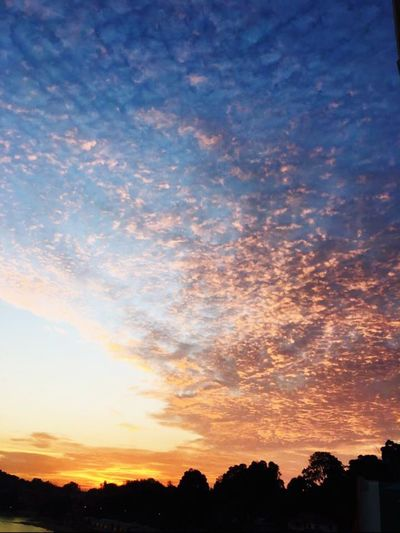 Sunset Sunset_collection Sunset #sun #clouds #skylovers #sky #nature #beautifulinnature #naturalbeauty #photography #landscape Sunsetlover Malaysia Portdickson Lexis Hibiscus Skyporn Darkclouds