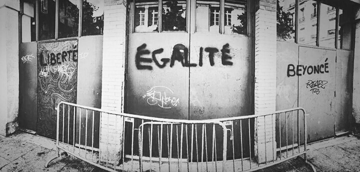 Paris Le Marais Beyonce Walls