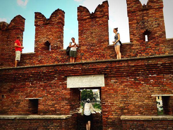 Castelvecchio Verona Italy Verona Italy Italia Brick Brickporn Castle Castles Italy❤️