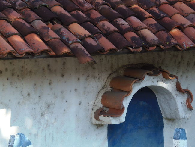 Roof tiles (Tejas de barro). Architecture Costa Rica Old Pattern Pieces Roof Street Photography