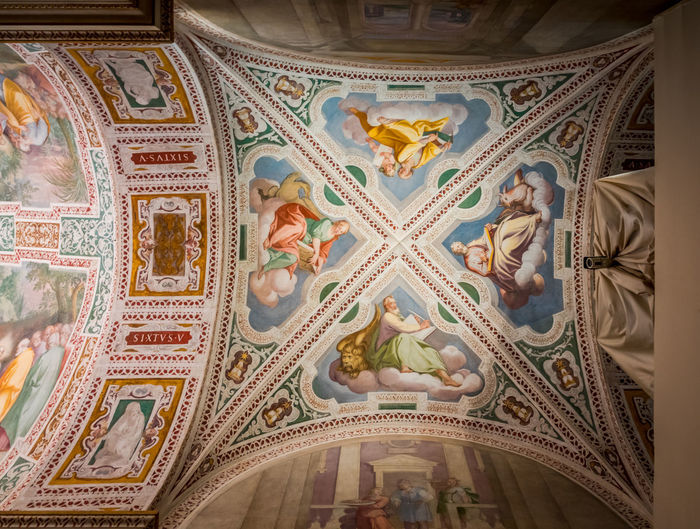 Art And Craft Pattern Indoors  Ceiling Architecture Design Built Structure Low Angle View No People Craft Creativity Religion Travel Destinations Building Mural The Past Belief Place Of Worship Tourism Ornate Directly Below Architecture And Art