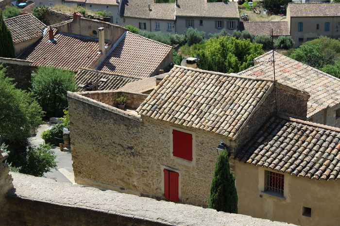 Bäume EyeEm Best Shots EyeEmNewHere Fensterladen France Himmel Houses And Homes Provence Stone Path Vacations View Architecture Building Building Exterior Built Structure Chateauneufdupape Day Mountain Nature No People Outdoors Stone House