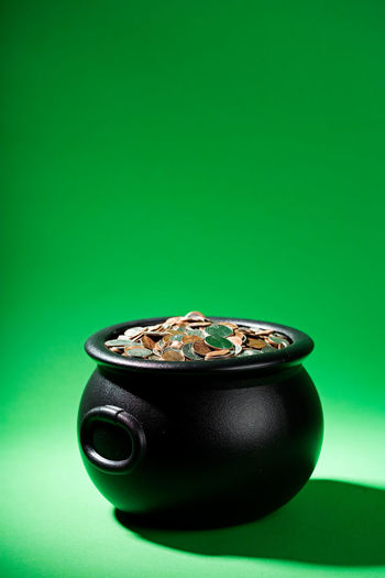 Green Pot Of Gold Riche Saint Patrick's Day St. Patrick's Day St. Patricks Day Treasure Money No People Pot Pot Of Gold At The End Of The Rainbow Wealth