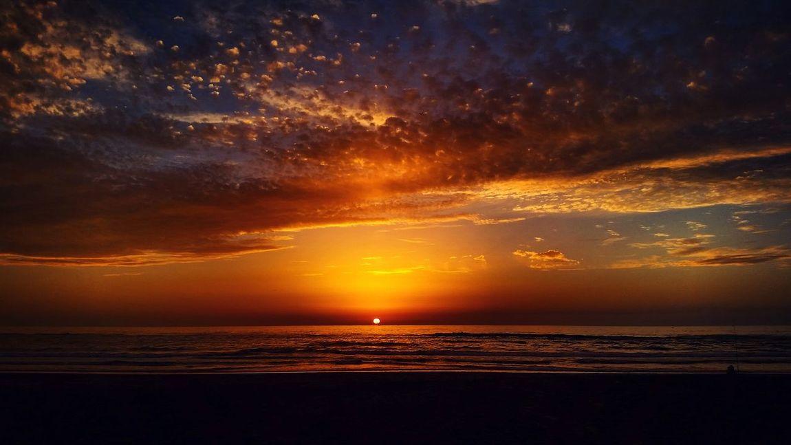 Wonderful Faty_Photography Taking Photos Hello World Enjoying Life Sunset_collection Sunset #sun #clouds #skylovers #sky #nature #beautifulinnature #naturalbeauty #photography #landscape