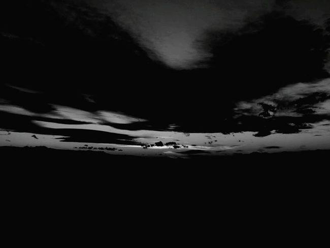 Reflejo en el cielo... En una noche Oscura.