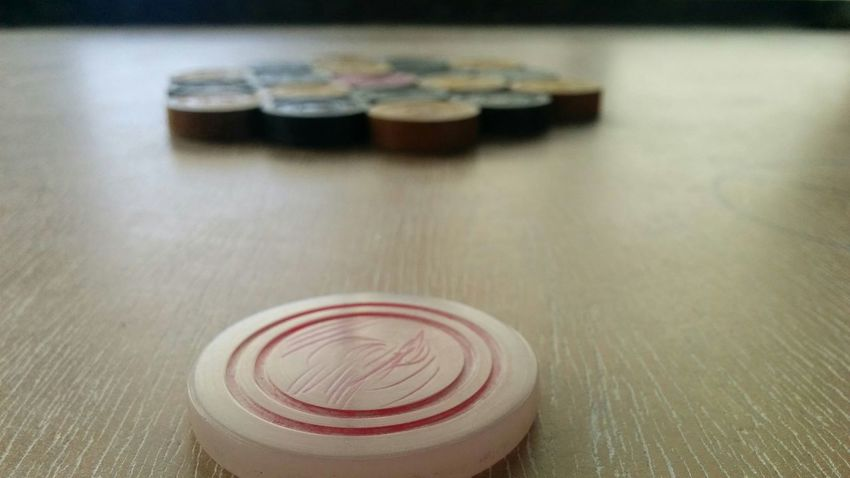 Focus Object Indoors  Close-up Table Carrom Carromboard Love It ❤ Nexus5photography Focused ❤ Nexus5 Nexus Maximum Closeness
