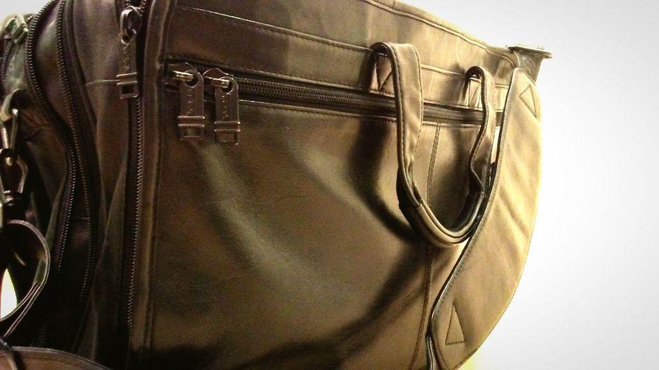 TUMI bag's. Nuff said.. Leather Bag Tumi Computer Bag Leatherfashion Suitcase Travel No People Indoors  Close-up Day