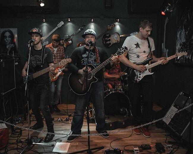 Группа Vertigo. Ozzy bar. Ozzybar Ozzybarrock Bormanphotographer Rockphotographer Rockphoto фоторафвладивосток фотографвалентинкольцов Vertigo