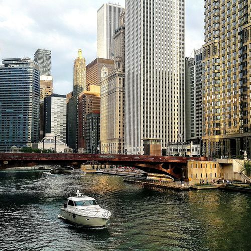 Chicago Chicago Architecture Chicagoshots Chicago Downtown Chicago River Chicago Streets Chicago Loop Chicago, Illinois Beautiful Nice Day Hello World Taking Photos Hanging Out Relaxing Enjoying Life Nice Views Riverviews
