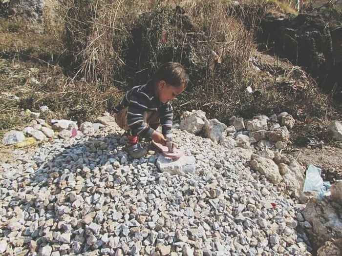 43 Golden Moments Kid Happiness Playing In The Stone