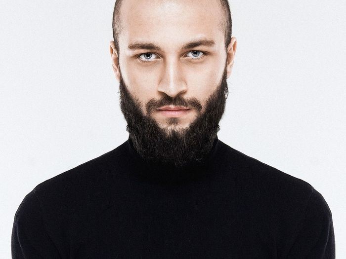 Hello 😬 It's me again Beard Studio Shot Portrait Individuality Looking At Camera One Man Only Attitude One Person White Background Only Men Adults Only People Adult
