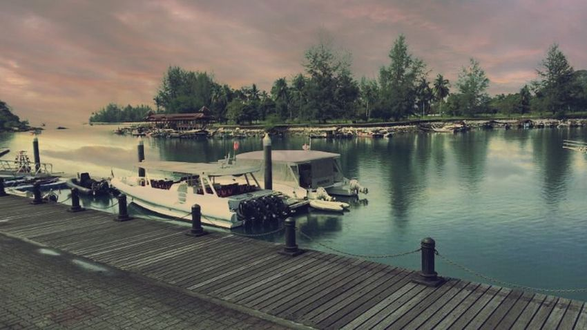 Pulau Langkawi Hello World Beautiful Landscape Taking Photos Hobbycraft Lake Relaxing Malaysia Boat By The Ocean Nature Ocean Greenday Environment Showcase April Boat Dock Boats And Water The KIOMI Collection The Essence Of Summer Nature's Diversities