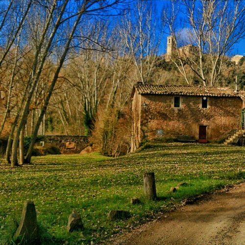 Ara queda lluny (i això que està aquí mateix). Sant Martí d'Albars, Lluçanès Catalunya Instagramers Igerscatalunya