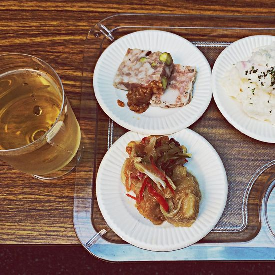 今、マツケン食堂VSましか食堂さんのイベントに来ております!一時間以上待ちですが、ウエイティングBARがあって楽しんで待てます。アテもワインも旨くていい感じに酔ってます(*^_^*) Mylife IPhone5 Osaka,Japan foodporn