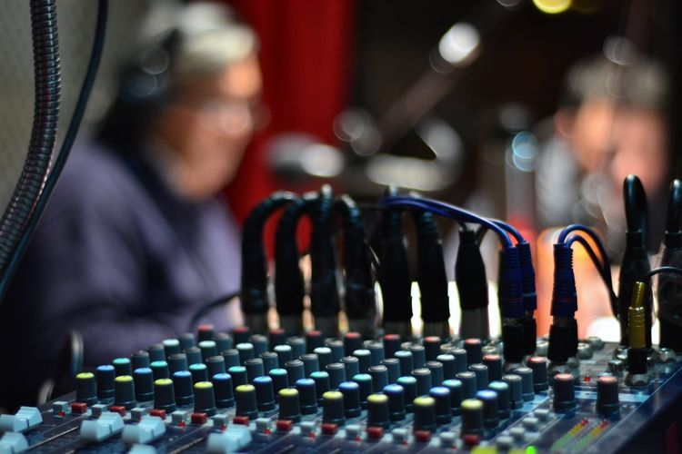 Studio Radio Songs Cables Radio Human Hand Men Working Occupation Close-up Sound Mixer Producer Radio Station Audio Equipment Control Panel Dj Sound Recording Equipment Mixing Audio Electronics Recording Studio Amplifier Record