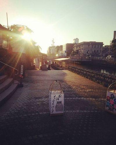 夕方 夕方散歩 路地裏 川沿い 川沿いの道 堀川