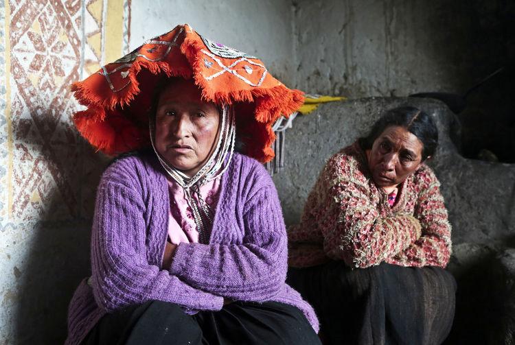 Hat Peru Peruvian Clothes Peruvian Culture Peruvian Women Peruvian Peruvian Costume Peruvian Culture Peruvian Hat Peruvian Weaver Peruvian Woman Quechua Quechua Culture Quechua Weaver Quechua Woman South America Two Peruvian Women
