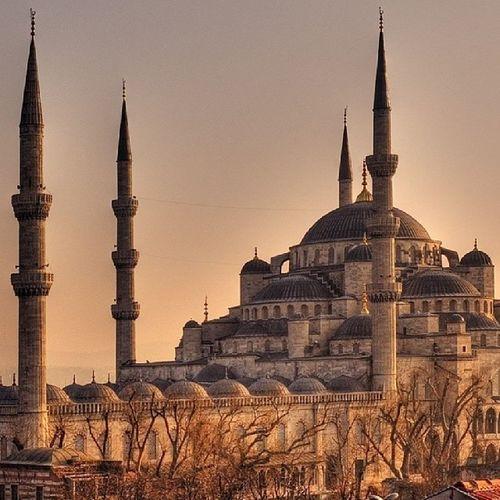 Sabah namazının iki rekatı dünya ve içindekilerden hayırlıdır. Hz. Muhammed ( S.A.V ) Sultanahmet Camii Blue Mosque photography nicepic goodmorning istanbul