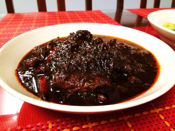 Food Food And Drink Freshness Indoors  Table Plate No People Sweet Food Ready-to-eat Serving Size Healthy Eating Close-up Sweet Pie Day Home Made Tastyfood Malaysian Food Local Food Food And Drink Delicious Daging Kicap Soy Sauce Meat