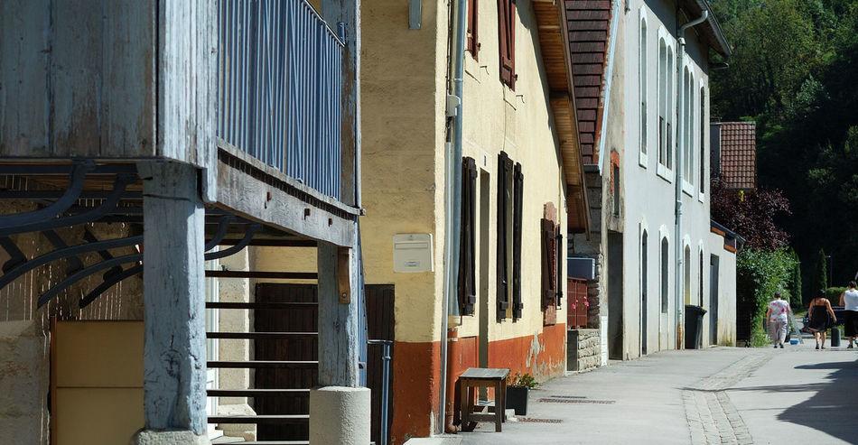Architecture Architecture Rurale Bleu Building Exterior City City Life Detail Diminishing Perspective Façade Igersdoubs Jaune Louey Ornans Ruelle