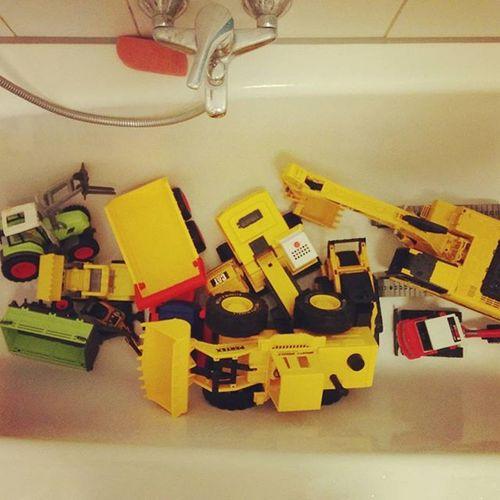 Was macht man(n) nach einem 30. Geburtstag? Richtig! Duschen! HappyBirthday Familylife Celebration Diggers