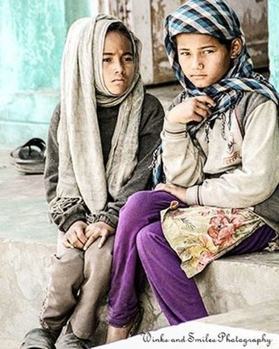 TWO KASHMIRI GIRLS CAPTURED AT DRASS, THE SECOND COLDEST INHABITED PLACE IN THE WORLD AFTER SIBERIA ~~ Drass Landscapephotography Girls Portrait PortraitPhotography Portraitphotographer Landscapeoftheday India Convexrevolution Incredibleindia Secondcodlestplace Leh Inhabited Ladakhdiaries Indianphotographer Travelgram Travelphotography Jammukashmir Kargil EyeEm Best Shots EyeEmPortraits