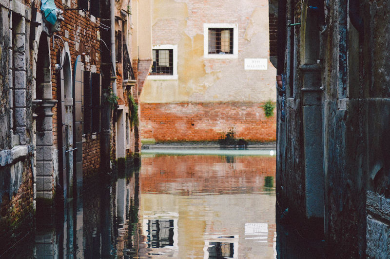 Architecture Brick Wall Building Exterior Built Structure Canal Italy Venice Window