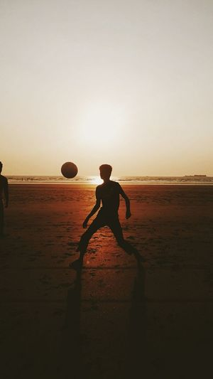 Summer Views Sunset Sunset Silhouettes Playingfootball Outingwithfriends Fun Adventure Enjoying Life Eyeemphotography Eyemnaturelover World Cup 2018