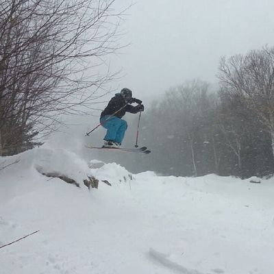 Tramline run is amazing. @williamevanscomerfordjr Top10day Snow Cannonpow Cannonmt