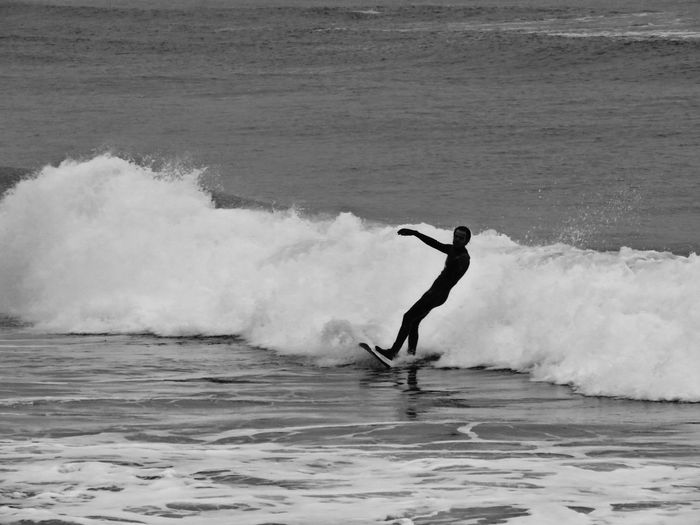 Sea Surfer Surfing Waves Surfing The Wave Ocean Relaxing Time Beach Seashore Surfboard EyeEm Best Shots EyeEm Gallery Showcase: February EyeEm Best Shots - Black + White Check This Out Eye4photography  Eye4black&white  Surf's Up EyeEm Water At The Beach The Great Outdoors - 2016 EyeEm Awards Sports Surf Surf Photography