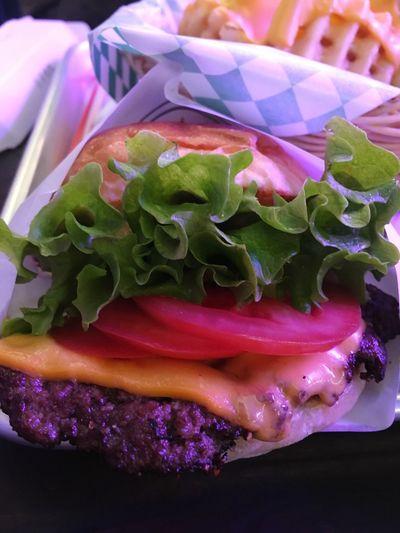 Seomyeon 버거인뉴욕 Hamburger Burger Freshness Close-up Indoors  Food No People Flower Fragility